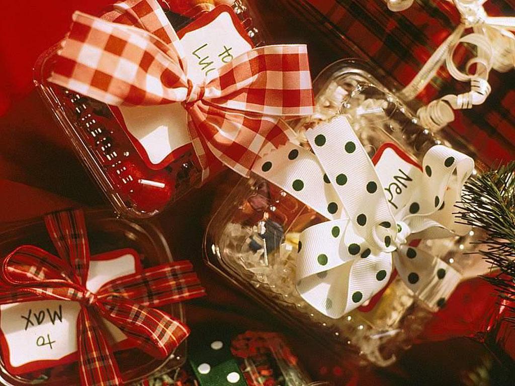 http://mygazeta.com/i/2010/11/christmas_gifts.jpg