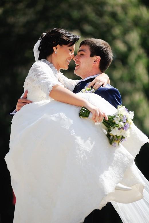 Невеста пытается перенести дату свадьбы