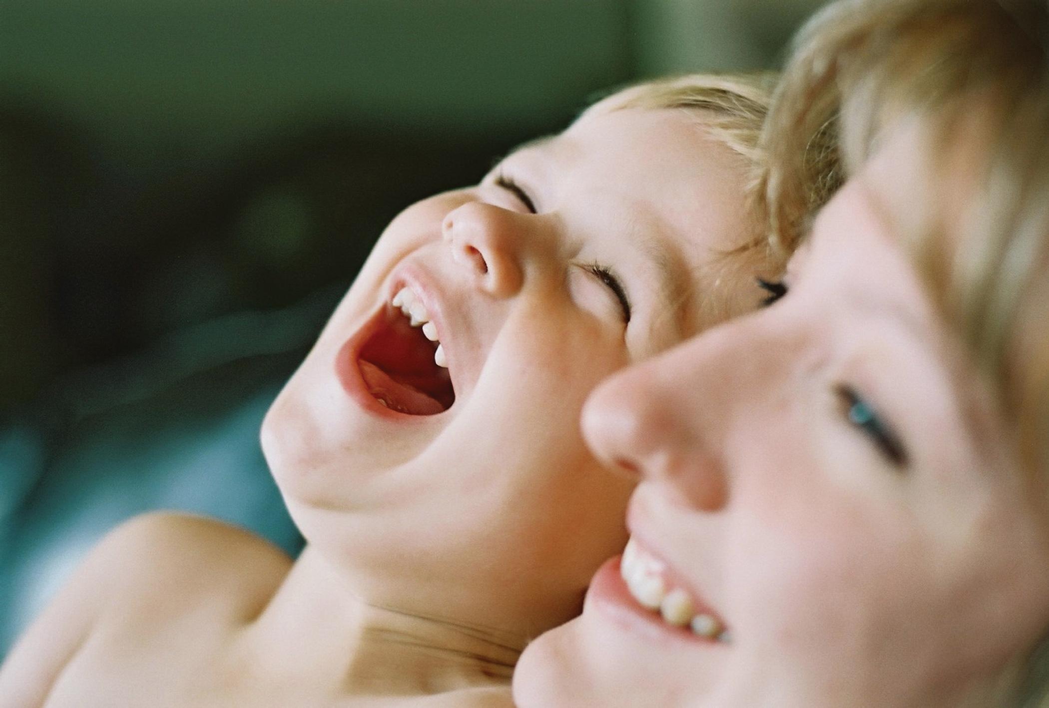 Сын любит мать 2 фотография