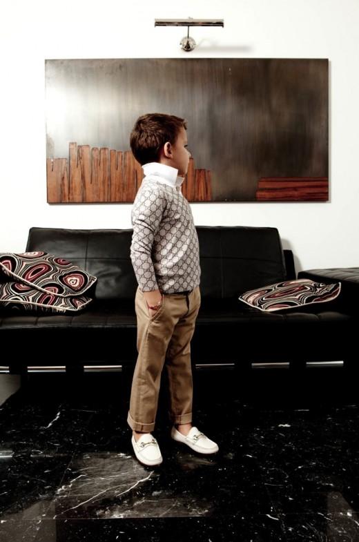 Строгий стиль современной детской одежды
