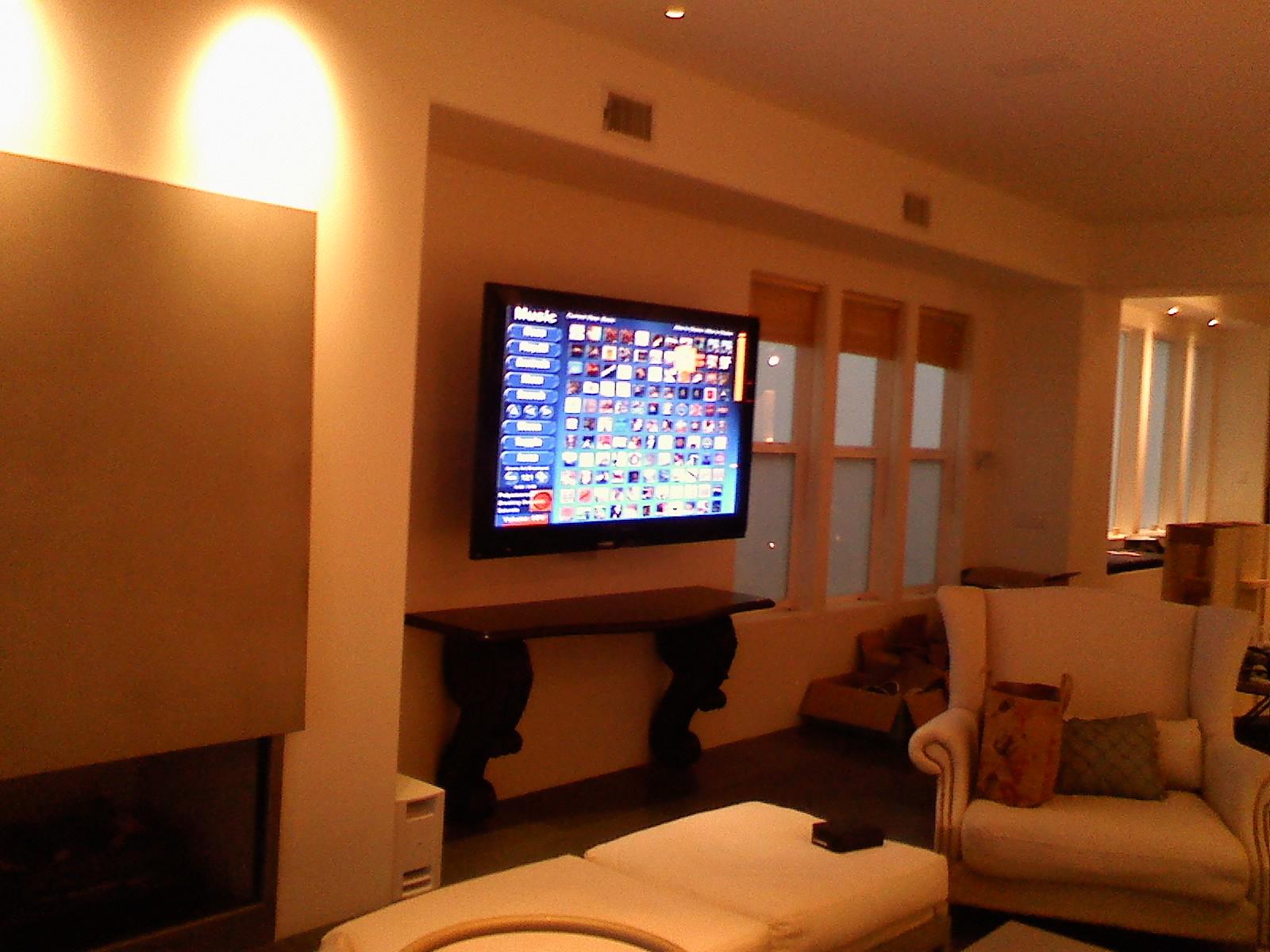 Фотографии дизайна гостиной с телевизором