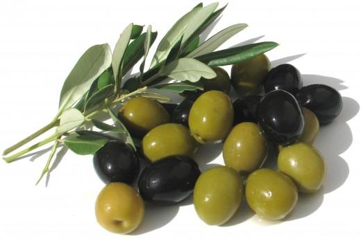 Справиться с лишним весом помогут оливки