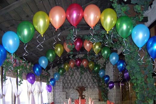 Оформление банкетного зала для свадьбы воздушными шарами