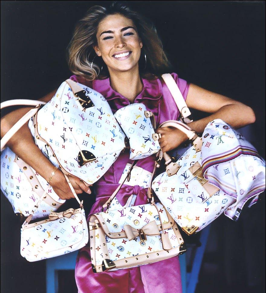 Картинки по запросу женщина с сумкой