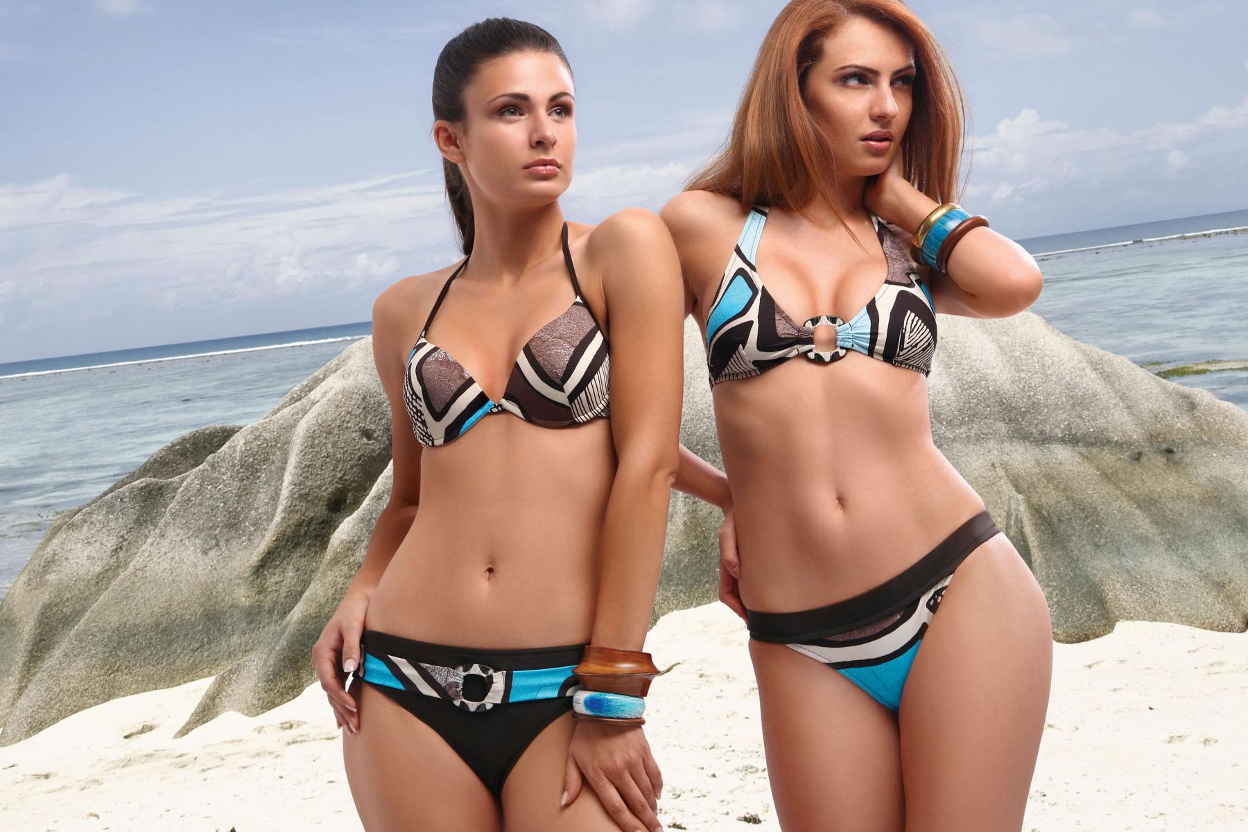 Фото в одних плавках девушек и без 4 фотография