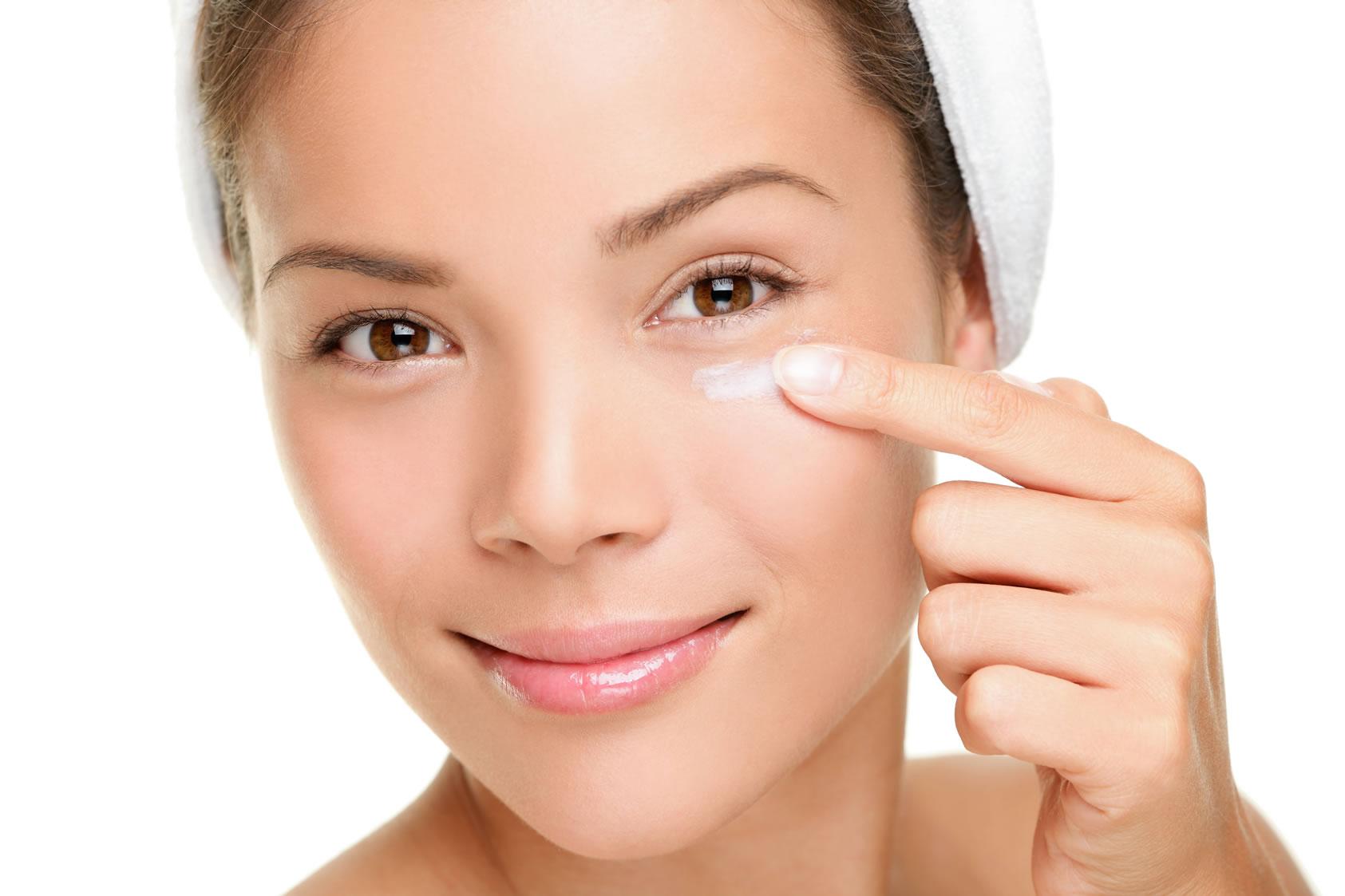 Уход за глазами и нежной кожей вокруг глаз фото