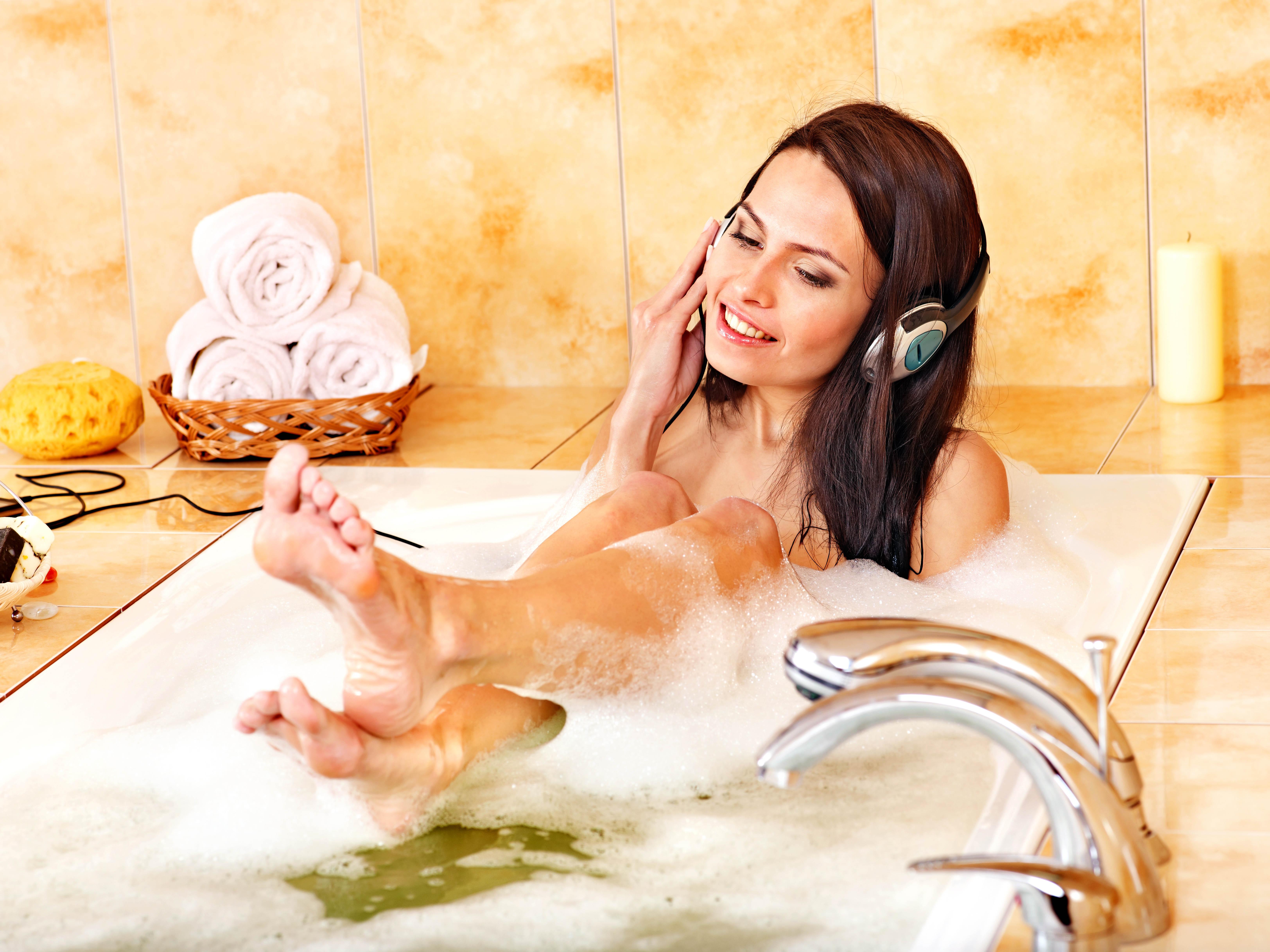 Просто женщины в ванной фото 8 фотография
