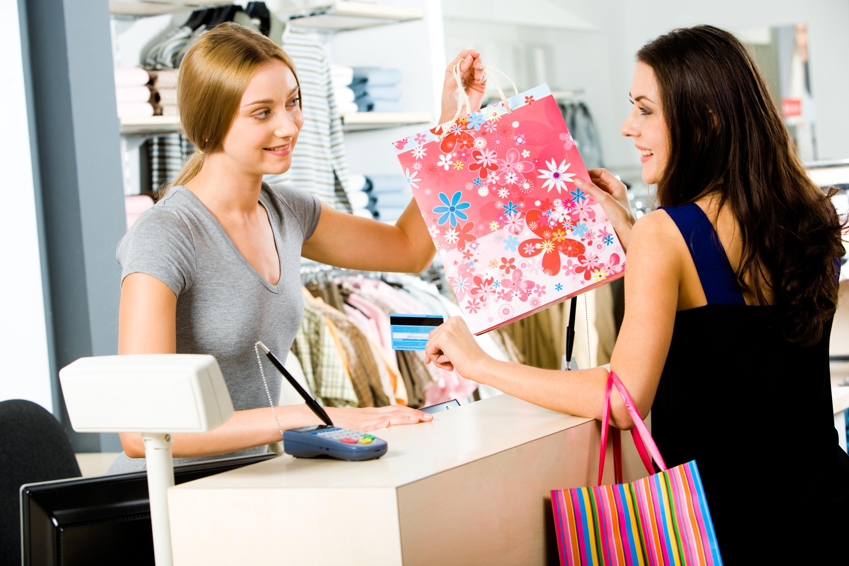 Смотреть секс в магазине с продавцом консультантом в туалете 7 фотография