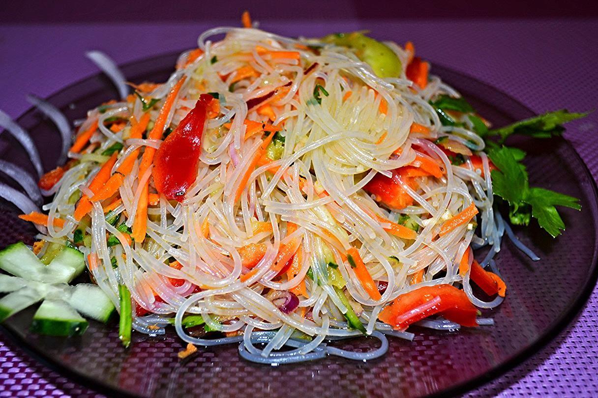рецепт салата с фунчозой корейской морковью и куринной филе