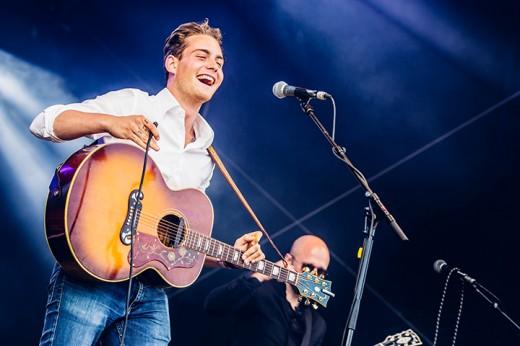 """Douwe Bob с песней Slow Down представит Нидерланды на """"Евровидение 2016"""""""