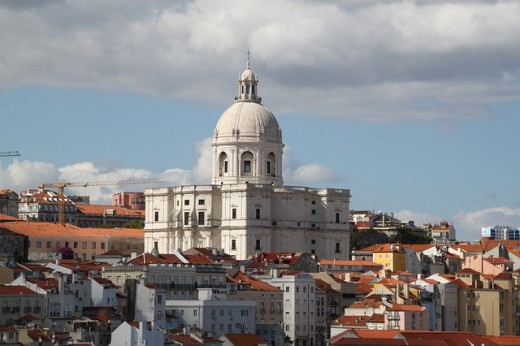 Туроператор «Лузитана Сол»: Стартовали продажи тура в Португалию «Новогодний Огонёк 2018»