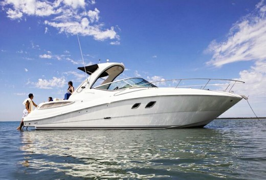 Где приобрести моторную яхту или катер - критерии выбора