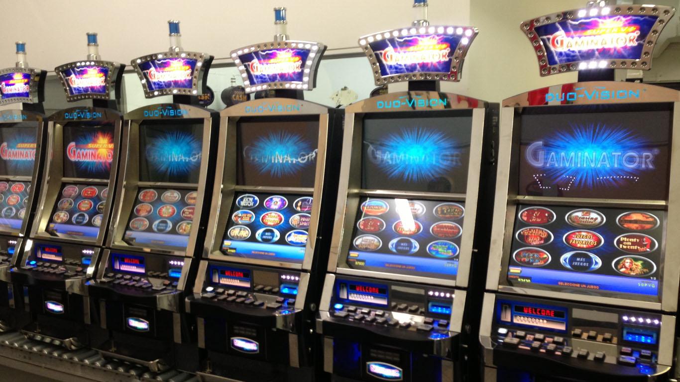 Игровые аппараты gaminator novomatic казино гранд хол