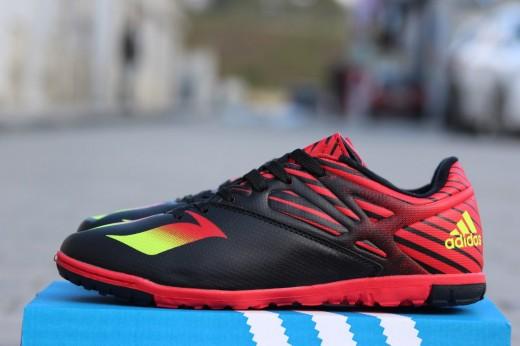 Специальная обувь для игры в футбол в интернет - магазине «Dribling»