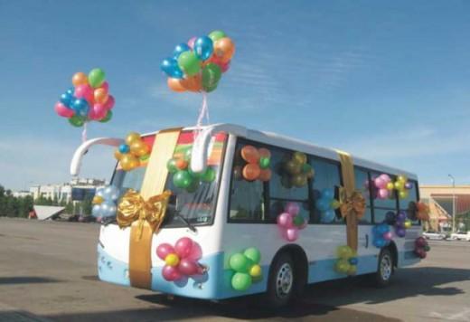 Заказ автобуса на праздники: основные нюансы