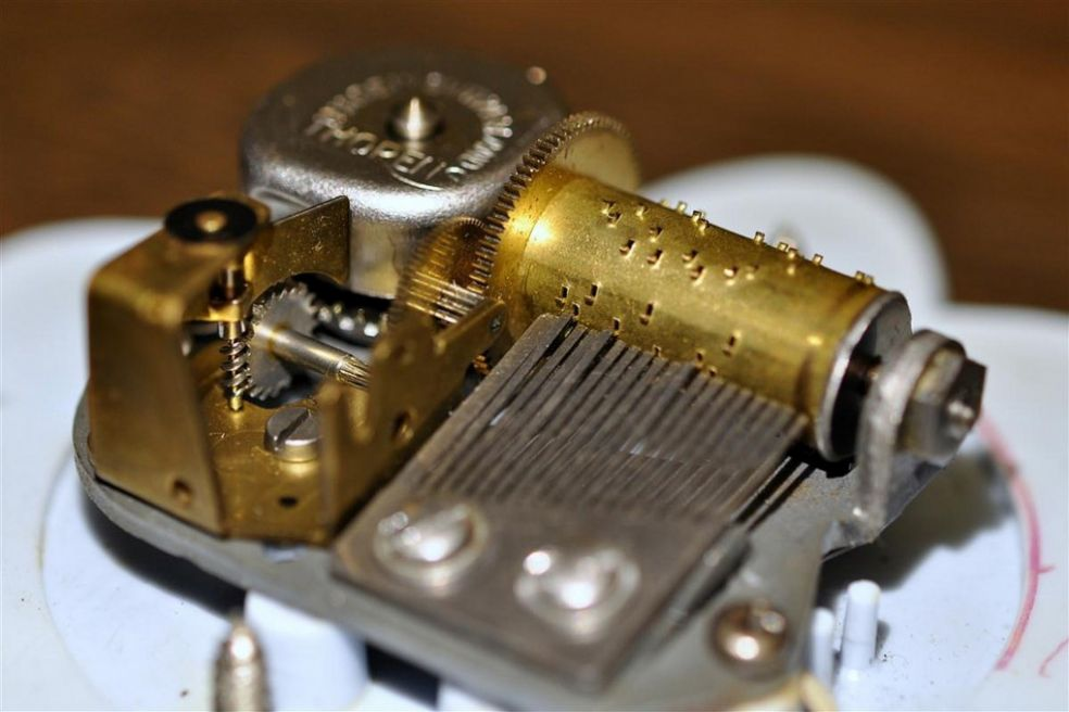 Музыкальная шкатулка своими руками механизм