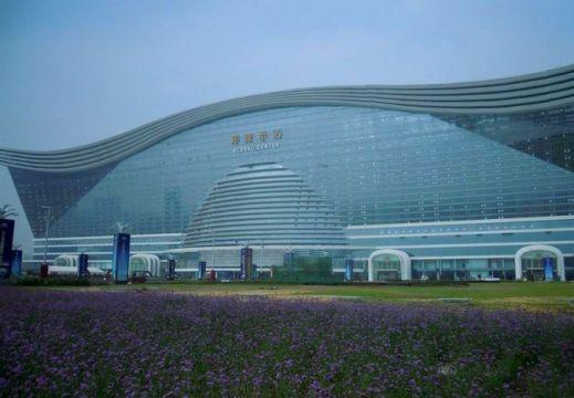 В Китае открылось самое большое здание в мире
