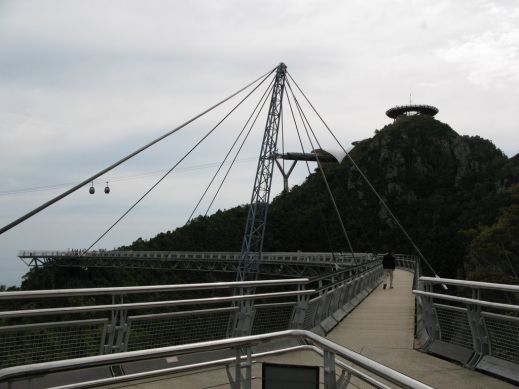 Удивительный небесный мост Лангкави