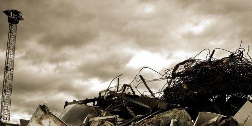 ООО Ломторг - утилизация и вывоз металлолома, продажа лома черных металлов в Москве.
