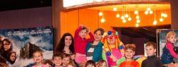 Сеть кинотеатров «Киномакс» и фонд «Обнаженные Сердца» объявляют о запуске всероссийской благотворительной программы «Подари кино детям»