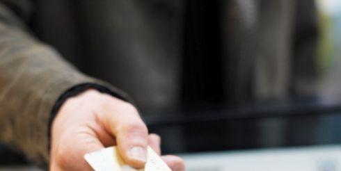 Чем грозит отказ принимать платежную карту?