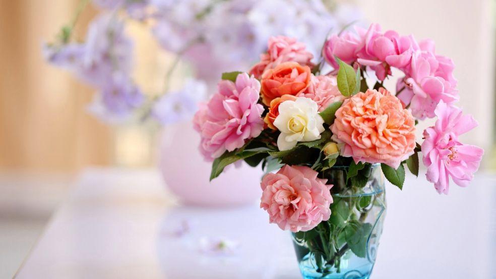 Как сохранить розы в букете подольше