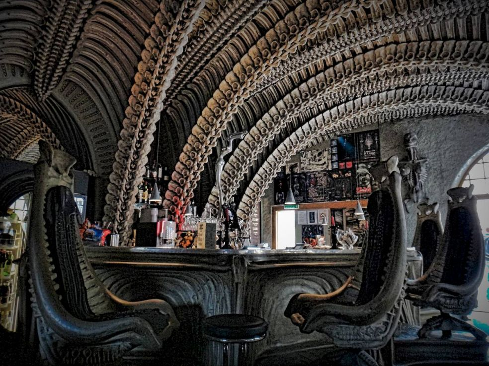 Самые необычные бары мира