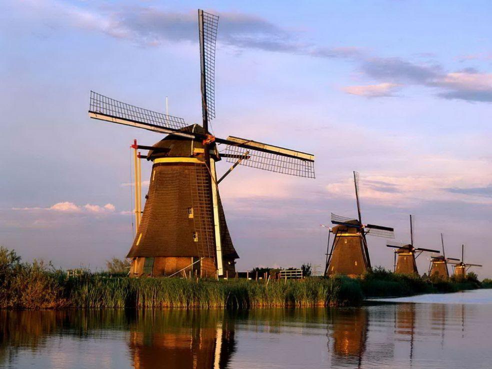 Ветряные мельницы в Киндердайк, Нидерланды