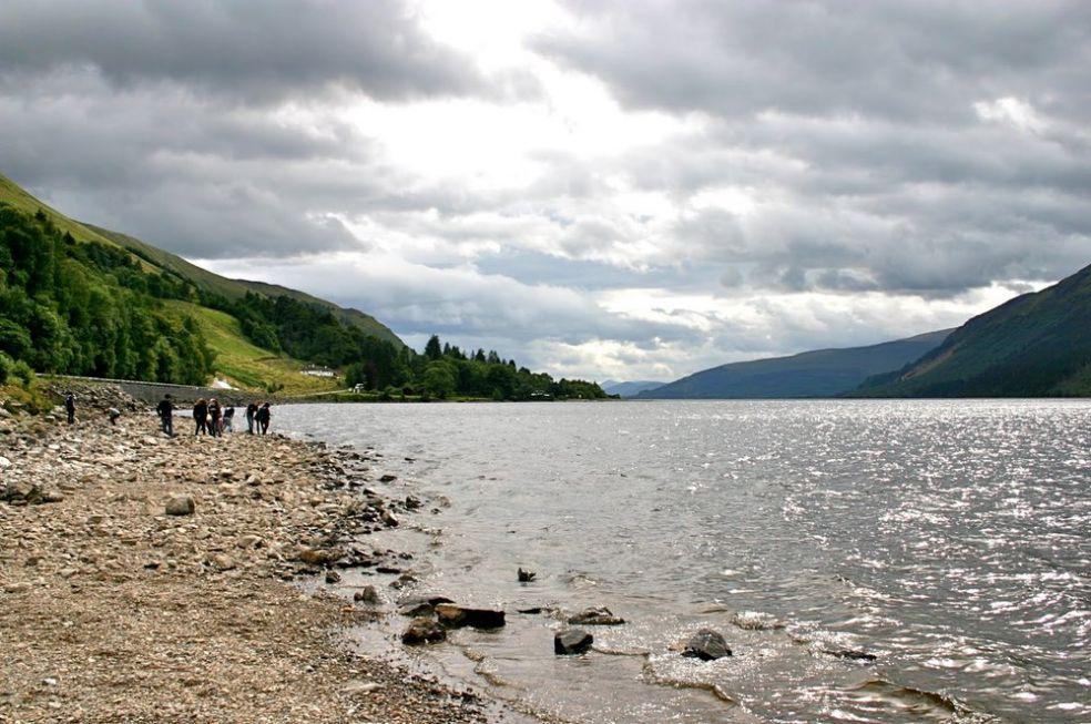 Озеро Лох Несс в Шотландии