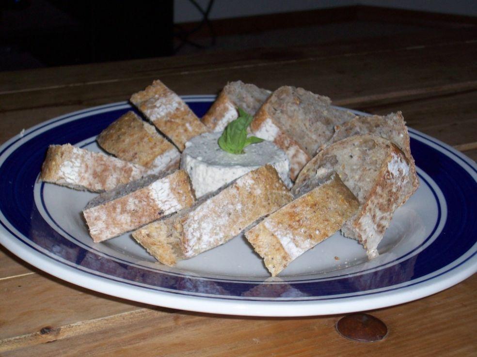 Бурсен со свежим хлебом