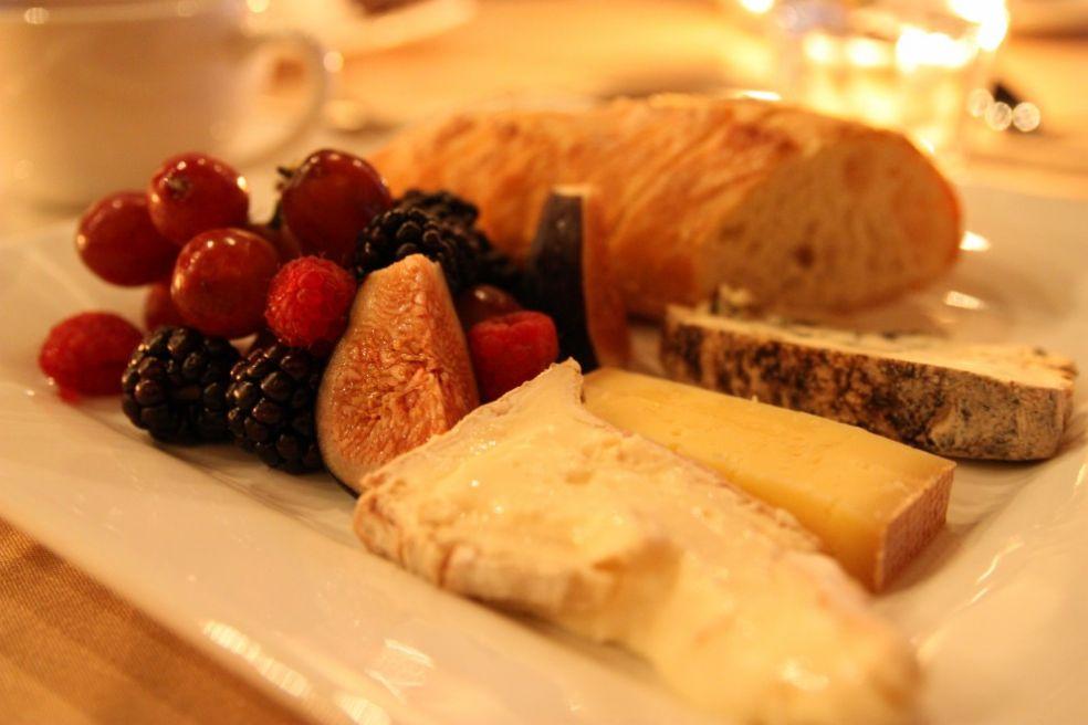 Сырная тарелка в Канаде