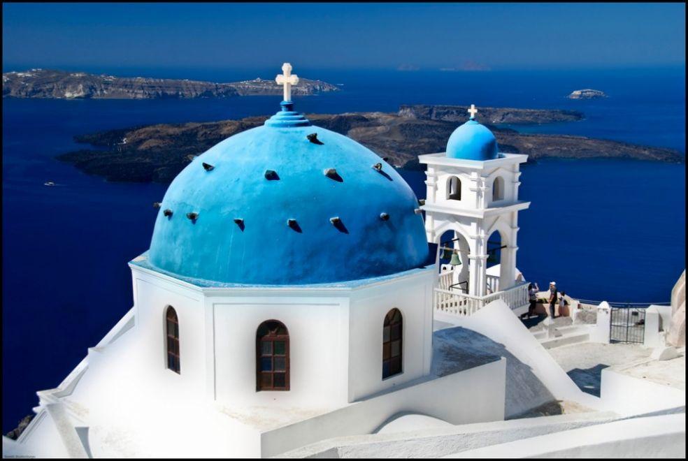 Церковь с голубыми куполами, Санторини