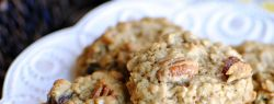 Овсяное печенье с изюмом и жареным пеканом