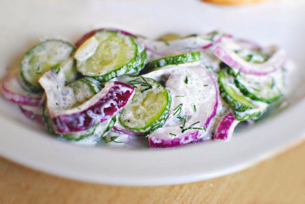 Салат из огурцов в сметанном соусе фото-рецепт